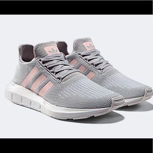 Adidas Swift Run Gray Pink CG4140